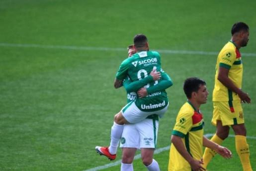 VÍDEO: Chape vence Sampaio Corrêa por 1 a 0 e garante primeira vitória na Série B