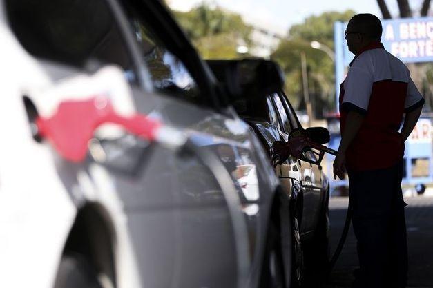 Combustíveis sofrem novo reajuste superior a 3% a partir desta terça