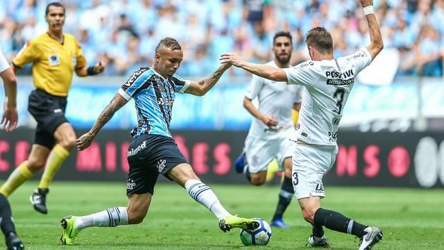 Grêmio vence e garante fase de grupos da Libertadores