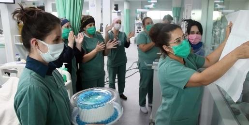 COVID-19: Paciente deixa UTI após comemorar aniversário em hospital de SC