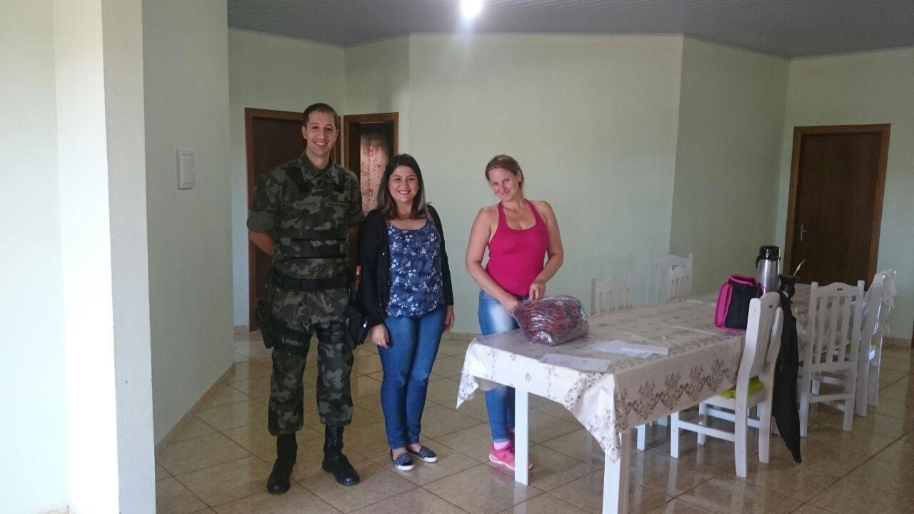 Polícia Militar Ambiental realiza doação de pinhão apreendido