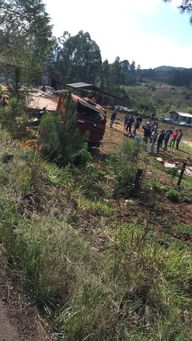 Acidente na SC-161 deixa motorista ferido em Romelândia