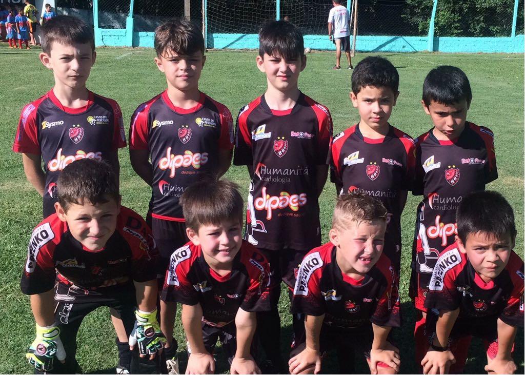 Bugre do Oeste lança escolinha de futebol de campo no município