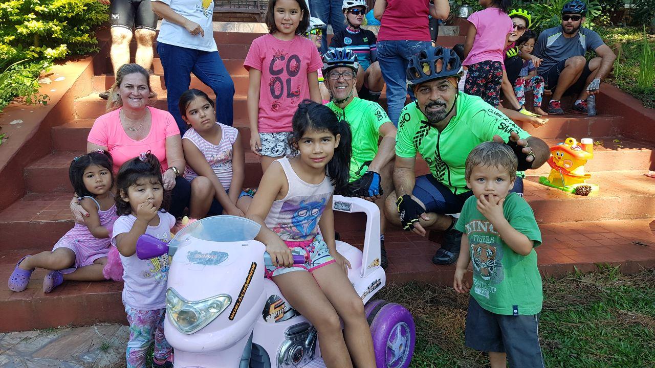 Clube do Pedal entrega donativos para Orfanato na Argentina