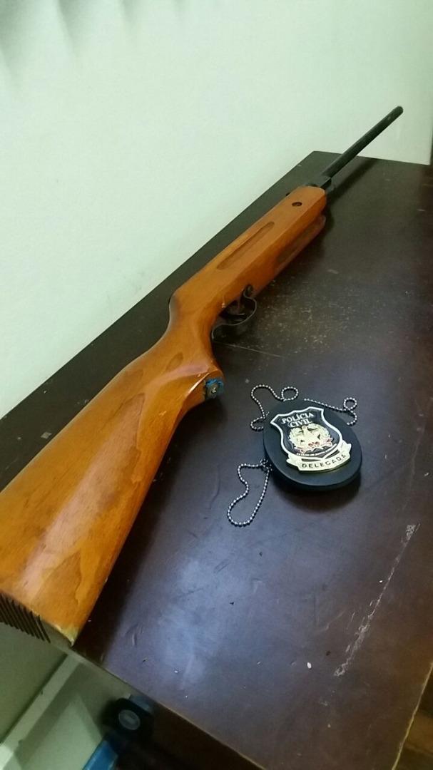 Polícia Civil de Itapiranga prende homem por porte ilegal de arma de fogo