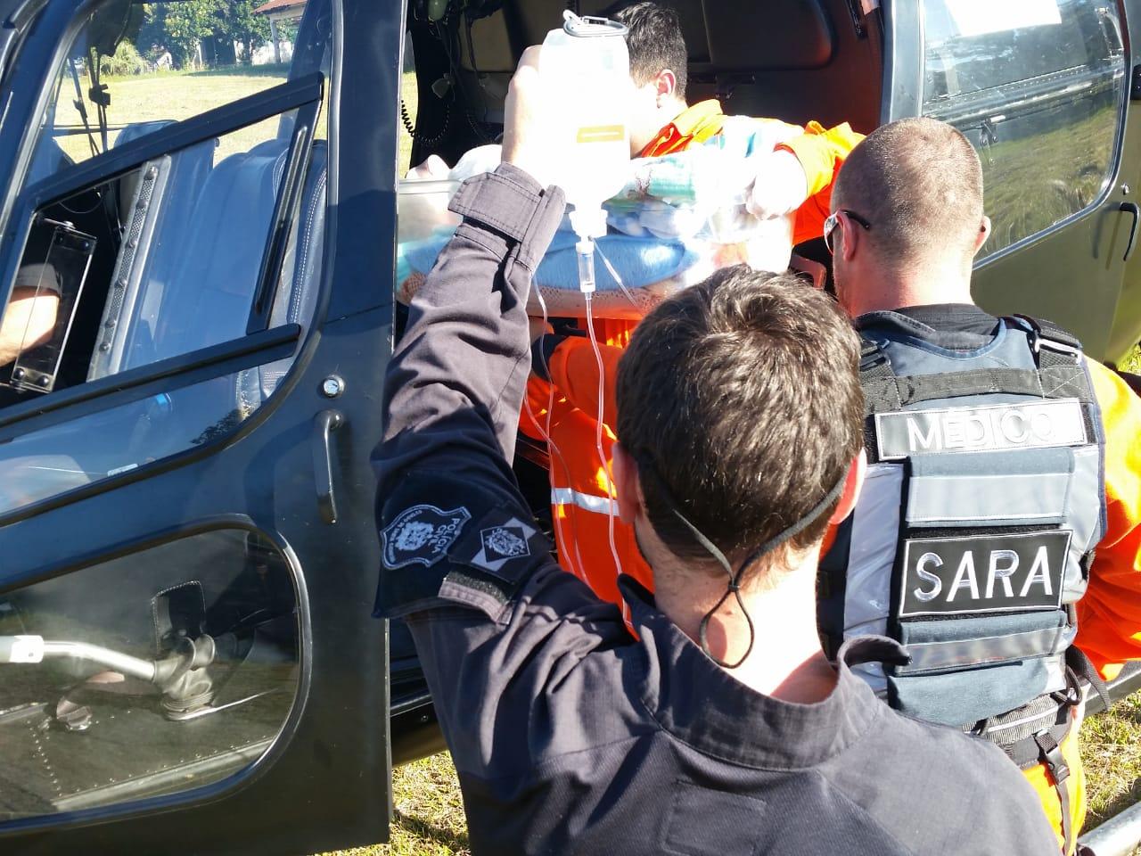 Bebê de 23 dias é transferido de São Miguel do Oeste para Chapecó