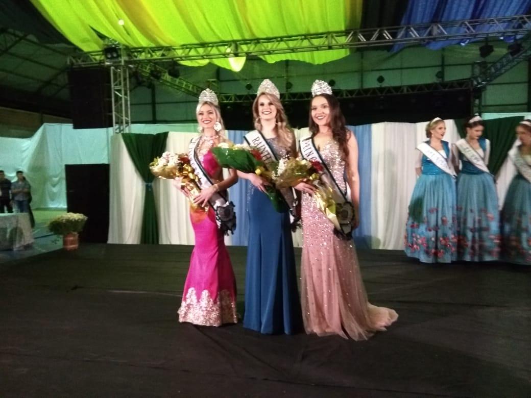 Vanessa, Tainara e Ticiana são escolhidas como novas soberanas de Iporã do Oeste