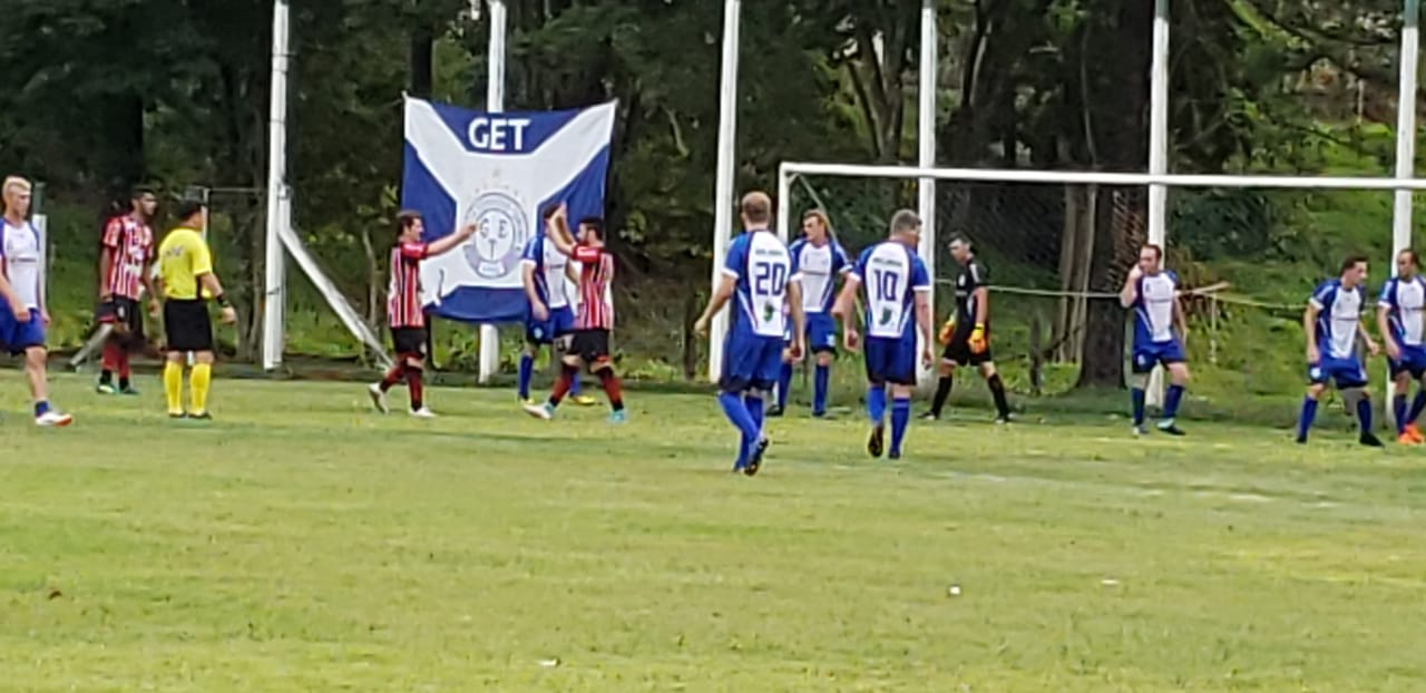 Cometa e Grêmio Tunense empatam pelo regional de futebol de campo