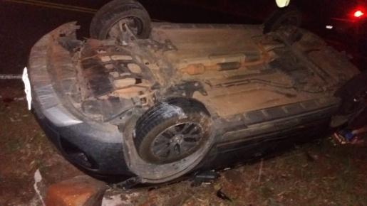 Capotamento de veículo deixa mulher ferida em São João do Oeste