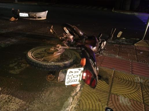Colisão frontal deixa motociclista ferido em São José do Cedro