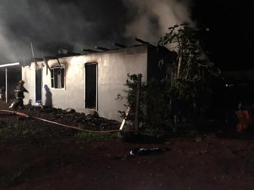 Incêndio atinge residência no interior de Anchieta