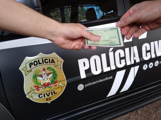 Polícia Civil de Itapiranga restitui diversos documentos de identificação