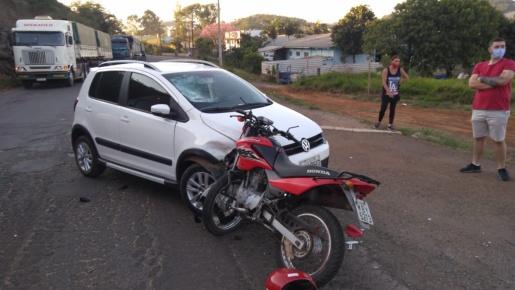 Colisão frontal deixa motociclista ferido na BR-163