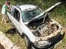 VÍDEO: Veículo pega fogo após acidente e policial civil combate incêndio
