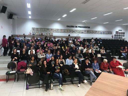 Seminário Mulheres na política: elas podem, o país precisa ocorre em SMO