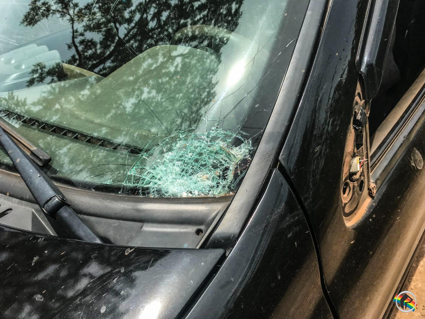 Acidente deixa casal ferido no interior de Bandeirante