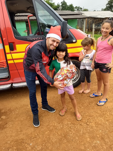 Campanha Natal Solidário entrega cerca de 500 brinquedos