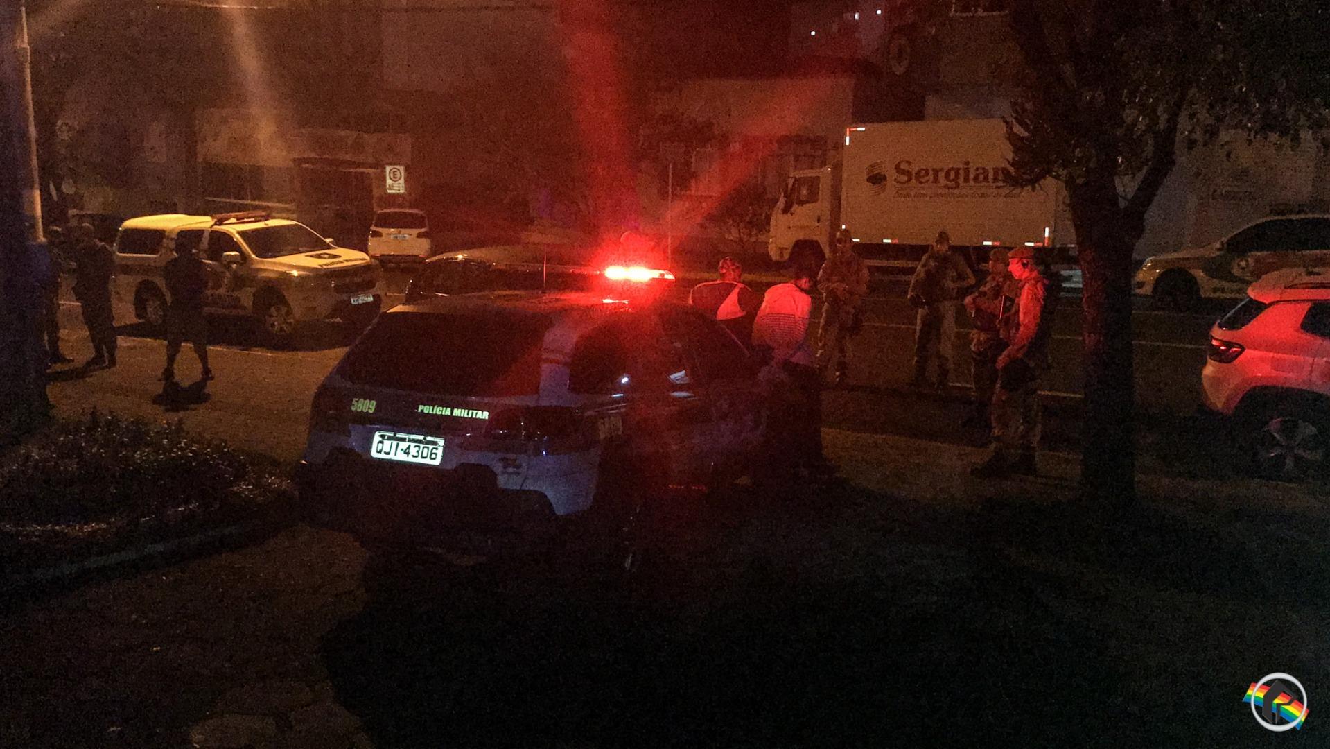 VÍDEO: Briga deixa homem gravemente ferido no centro