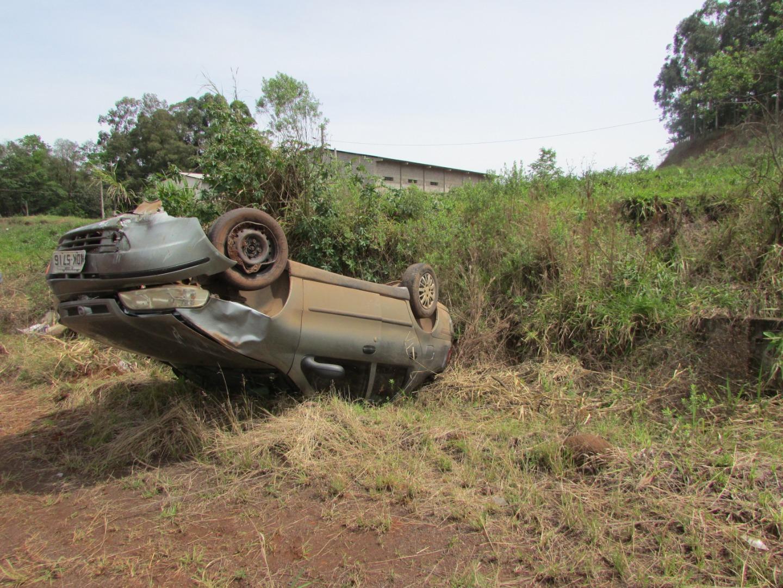 Saída de pista seguida de capotamento é registrada na BR-163 em Guaraciaba