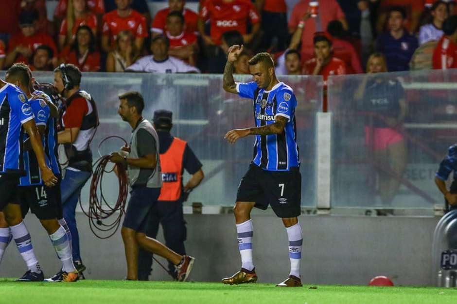 Vídeo: Grêmio empata com Independiente no primeiro jogo da final da Recopa
