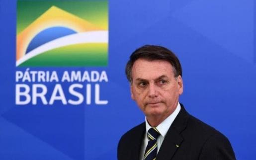 """Bolsonaro pede que donos de mercados tenham """"patriotismo"""" e baixem preços"""