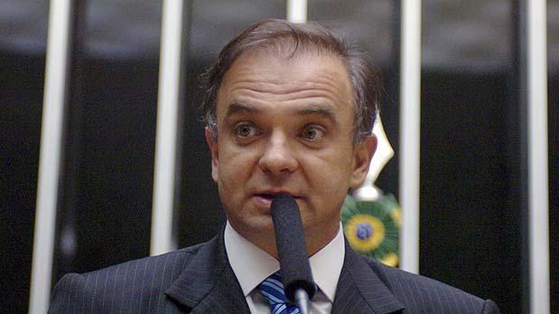 Justiça suspende habilitação de ex-deputado de Santa Catarina