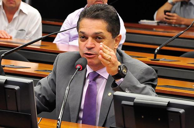 PF prende deputado João Rodrigues no aeroporto de Guarulhos