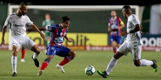 Grêmio cria pouco e perde para o Bahia em Pituaçu