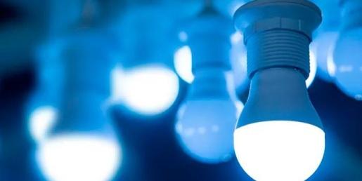 Lojas Colombo realiza troca de lâmpadas em São Miguel do Oeste