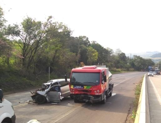 Caminhão da região se envolve em colisão com morte no Paraná