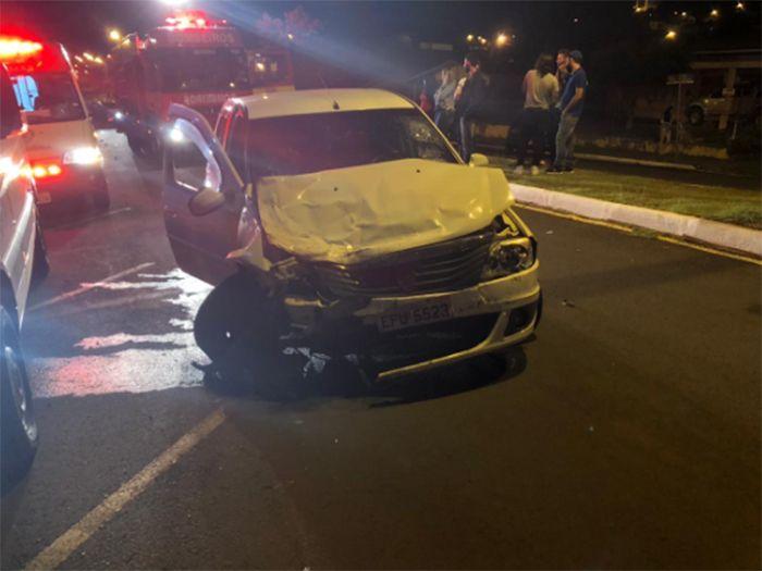 Grave acidente envolve três veículos e deixa um ferido