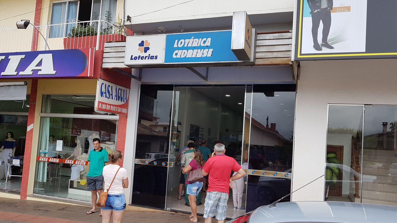 Apostas para Mega-Sena da Virada movimentam lotéricas