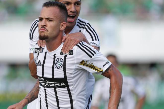 VÍDEO: Figueirense vence a Chapecoense e conquista o Catarinense 2018