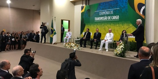 Ministro de Minas e Energia diz que continuará privatização da Eletrobras