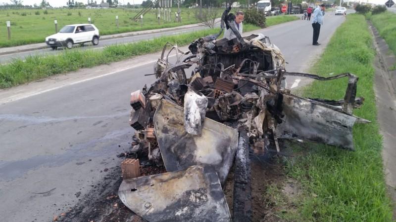 Motorista morre carbonizado após acidente em Maracajá, no Sul do Estado