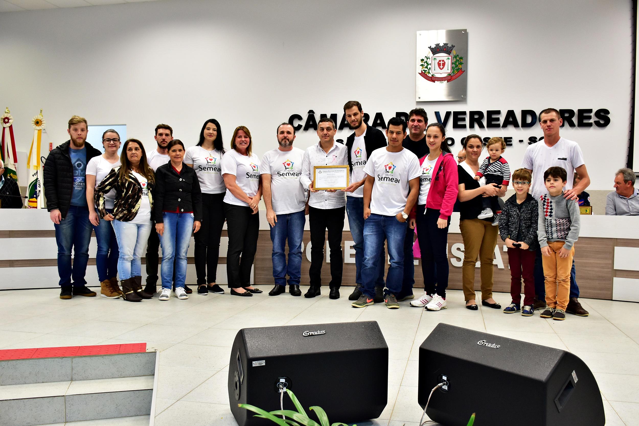 Vereadores prestam homenagem ao Projeto Semear