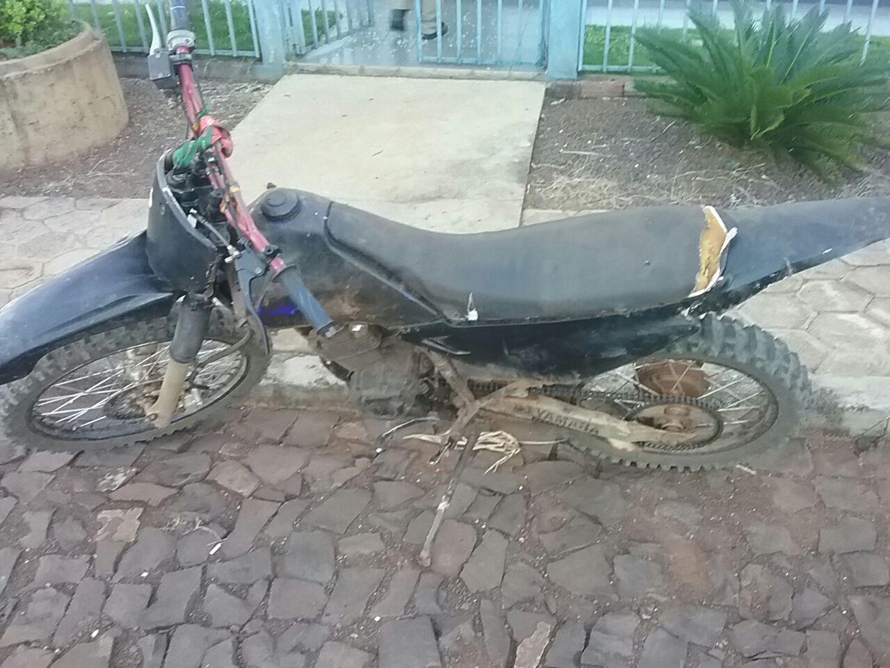 Polícia Militar apreende moto de trilha conduzida por adolescente em Descanso