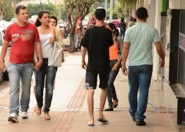 OUÇA: Enquete mostra população feliz com décimo terceiro salário