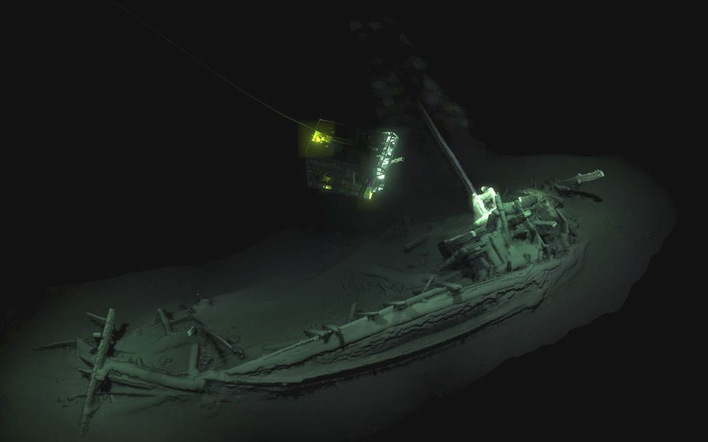 Navio de 2,4 mil anos é encontrado no fundo do mar