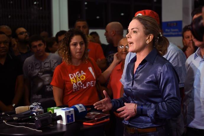 Gleisi declara que Lula ficará no sindicato dos metalúrgico em SP