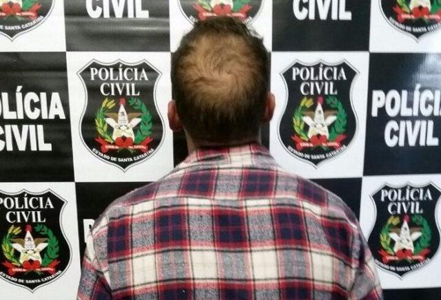 Polícia prende homem acusado de favorecimento à prostituição