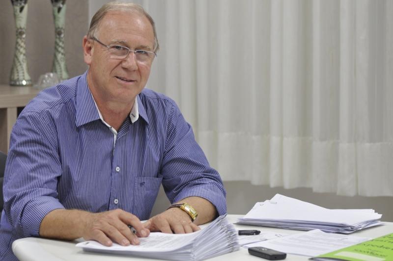 TCE aprova contas de 2016 do ex-prefeito Valar com ressalvas