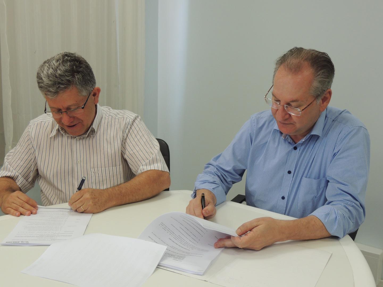 Prefeito de São Miguel do Oeste sanciona Orçamento 2018