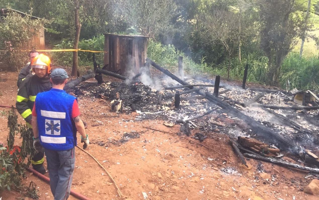 Idosa de 94 anos morre durante incêndio em Nova Itaberaba