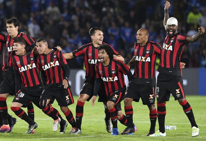 Segundo pesquisa, Grêmio e Atlético-PR são os melhores times do Sul