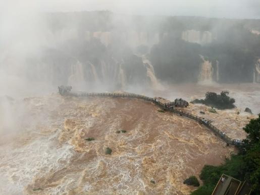 Vazão das Cataratas do Iguaçu passa de quatro vezes o volume normal