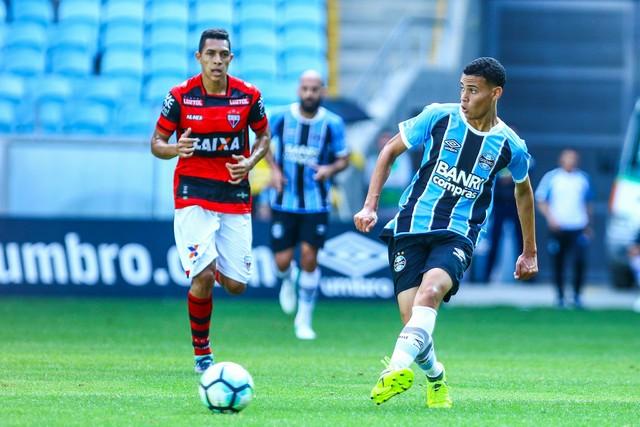 Vídeo: Grêmio reserva empata em 1 a 1 com o Atlético-GO