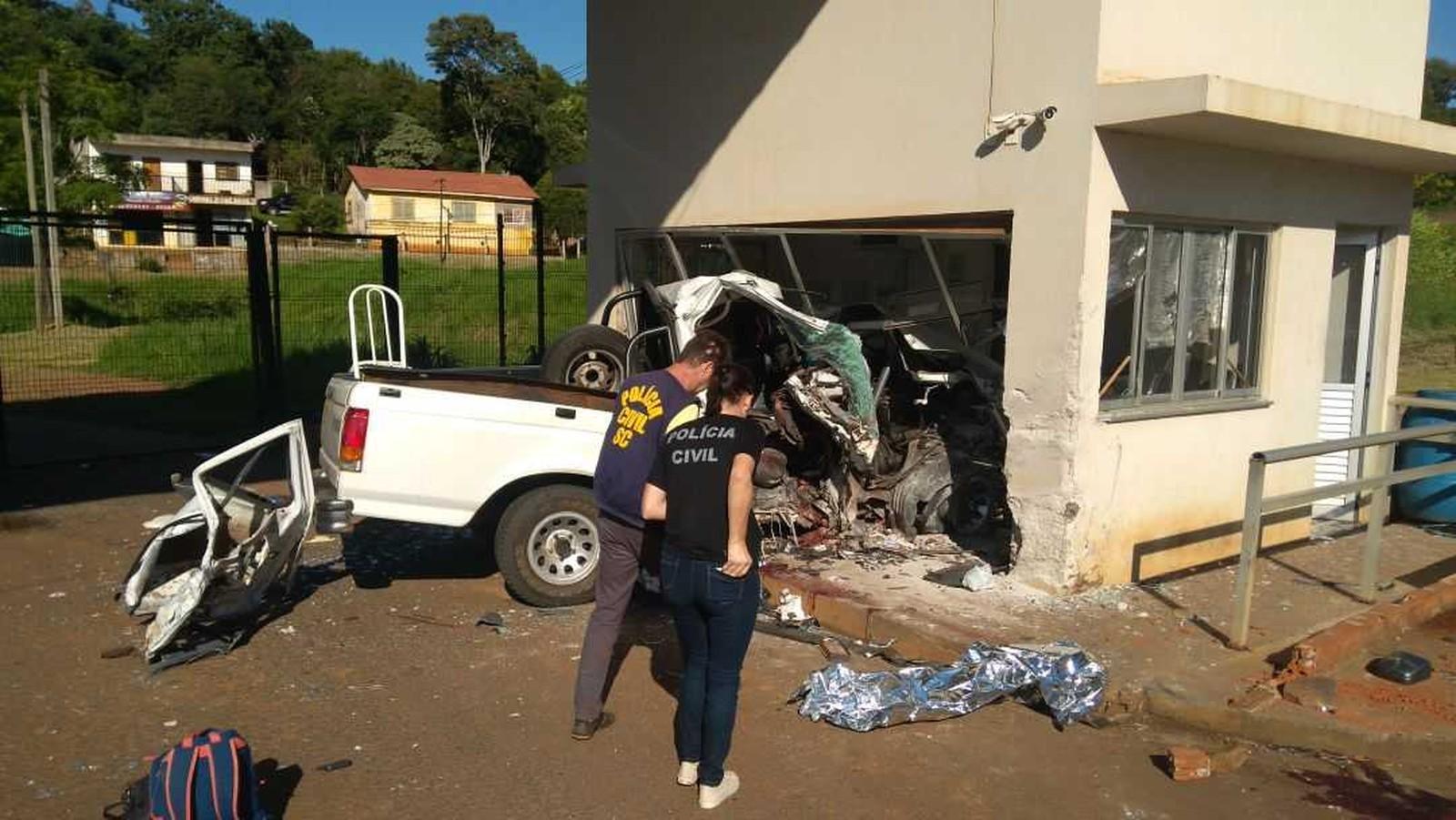 Polícia prende motorista após acidente com caminhonete furtada em Dionísio Cerqueira