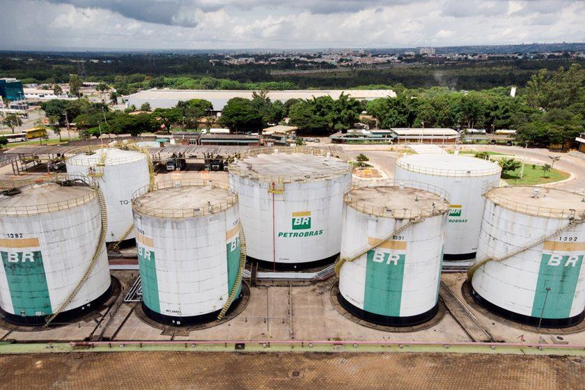 Petrobras anuncia redução de 25 centavos no diesel