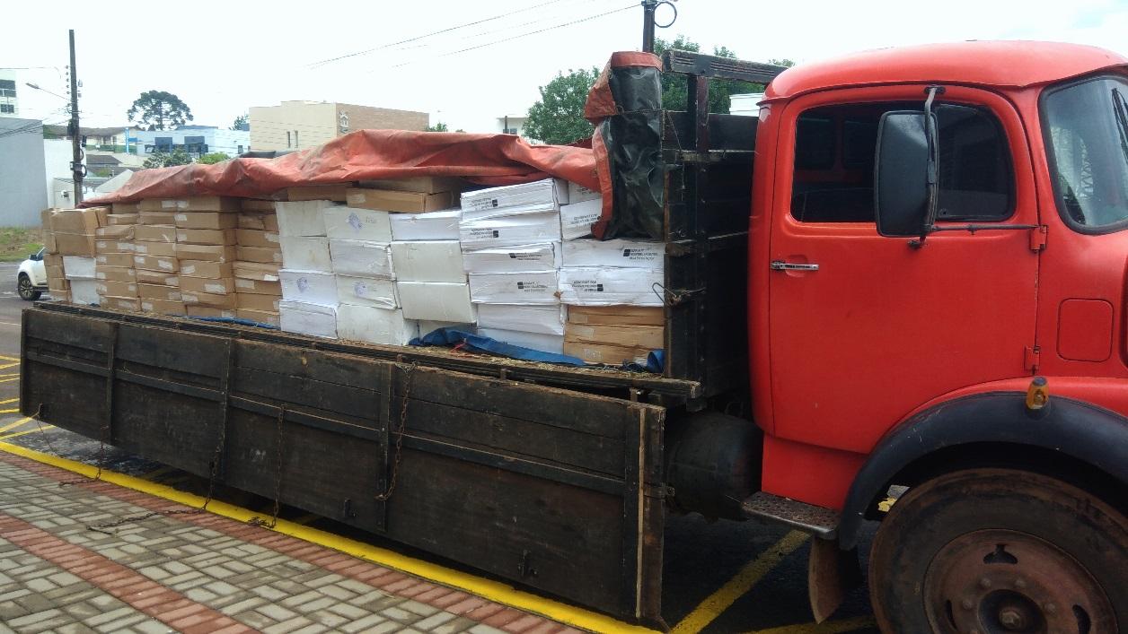 Polícia Federal apreende caminhão carregado com 4 toneladas de camarão